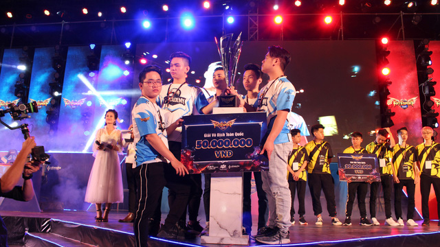 Liên Quân Mobile: Toàn cảnh chung kết rực lửa của giải đấu FPT eSport Championship 2019 - Ảnh 6.