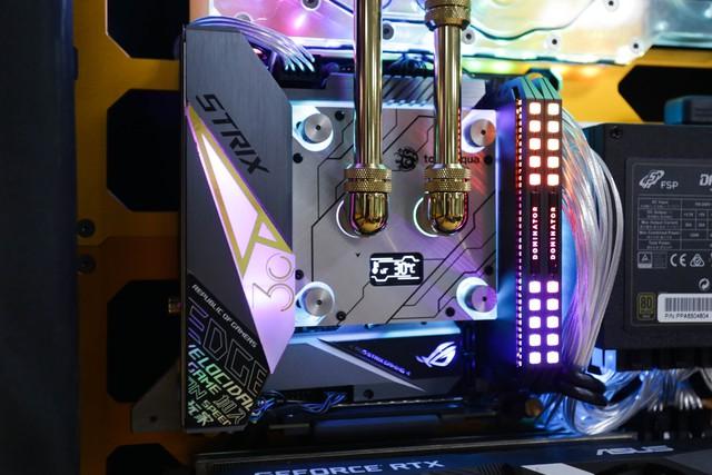 Trải nghiệm chơi game trên chiếc PC vali cực độc cực đẹp: Mượt mà những mà... mỏi cổ - Ảnh 3.