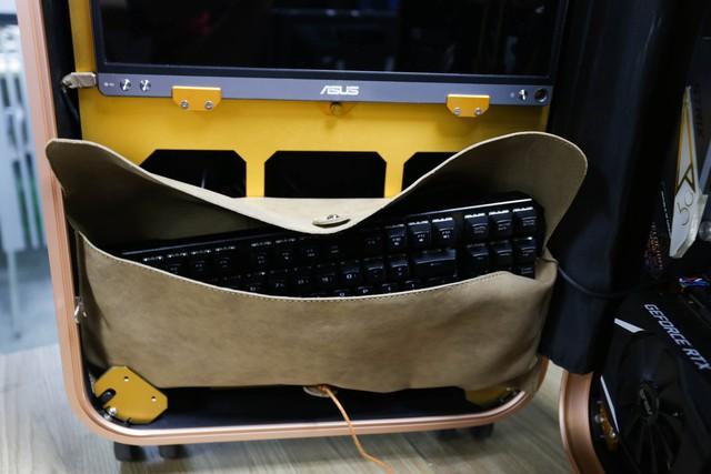 Trải nghiệm chơi game trên chiếc PC vali cực độc cực đẹp: Mượt mà những mà... mỏi cổ - Ảnh 9.