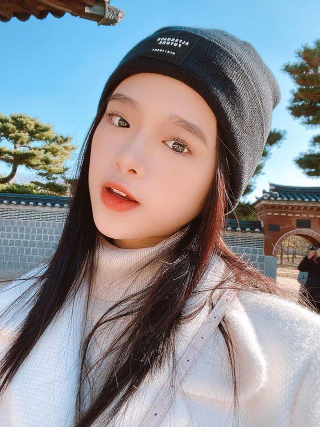 Hot girl Linh Ka tung MV cover mới nhưng không thấy... ngực với mông như trong ảnh đâu cả! - Ảnh 7.