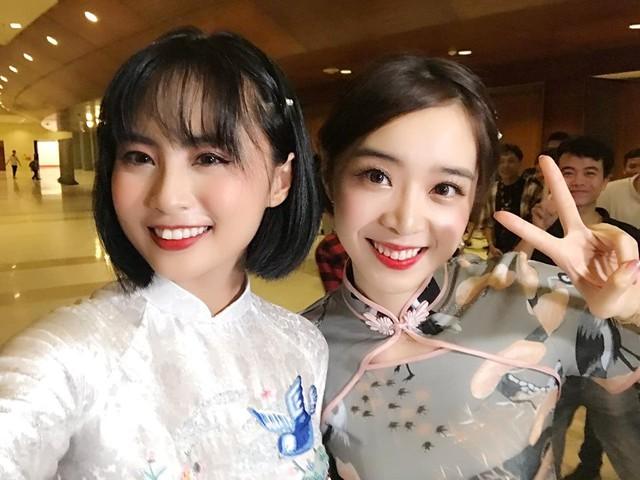 LMHT: Minh Nghi và Mina Young - 2 ngọc nữ của làng Esports Việt xúng xính áo dài chào xuân Canh Tý - Ảnh 1.