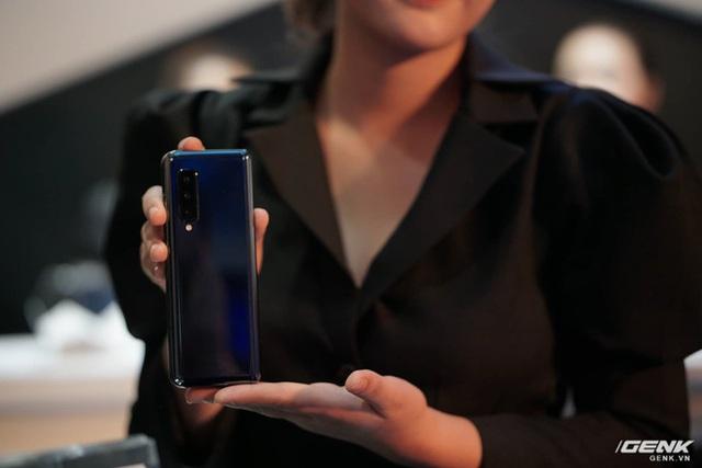 Galaxy Fold: Chiếc smartphone dành cho các sếp - Ảnh 7.
