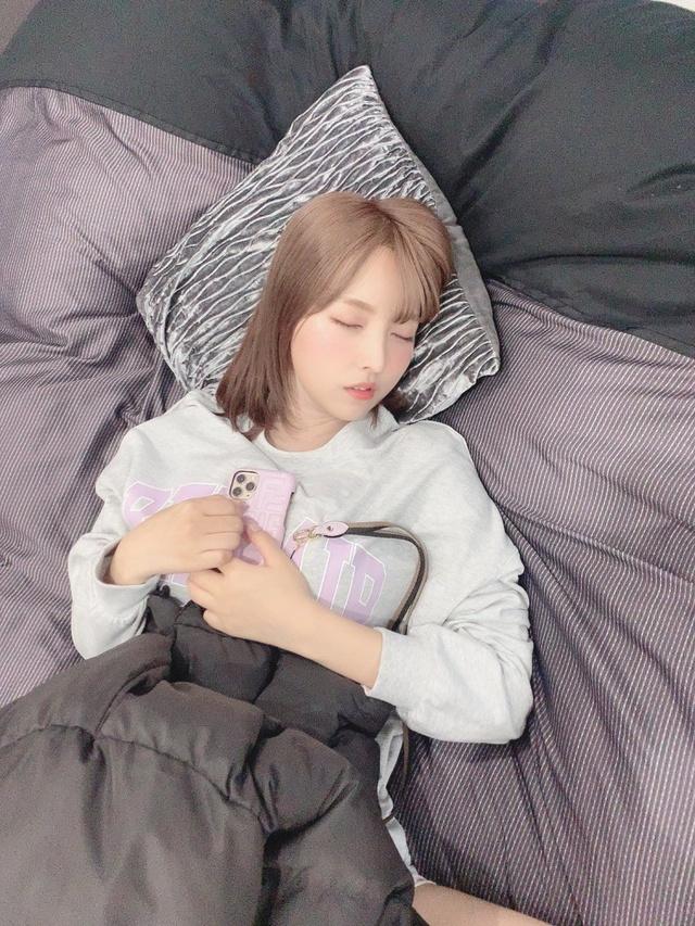 Yua Mikami bất ngờ lộ ảnh giường chiếu hiếm có khó tìm, các fan thương cảm chắc làm việc vất vả lắm - Ảnh 6.