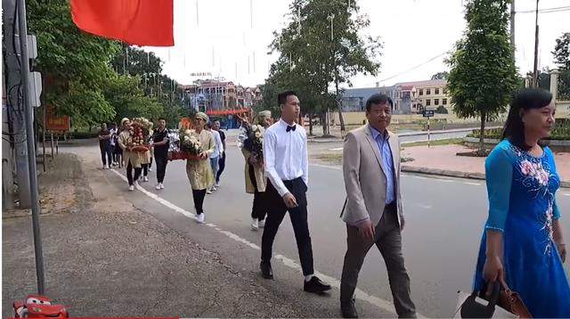 Hot: Toàn cảnh lễ ăn hỏi của Chim Sẻ Đi Nắng, hậu phương vững chắc của thần đồng AoE Việt - Ảnh 4.