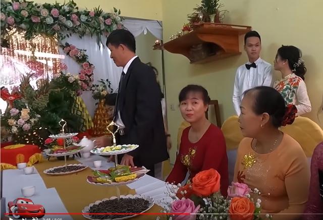 Hot: Toàn cảnh lễ ăn hỏi của Chim Sẻ Đi Nắng, hậu phương vững chắc của thần đồng AoE Việt - Ảnh 2.