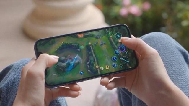 LMHT: Tốc Chiến bất ngờ xuất hiện trong buổi ra mắt iPhone 12, có Lee Sin và hé lộ thời điểm phiên bản iOS ra mắt - Ảnh 3.