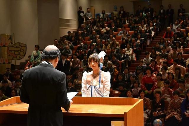 Sinh viên Nhật Bản đi nhận bằng tốt nghiệp: Không cosplay hài hước , đừng mong ra trường! - Ảnh 2.