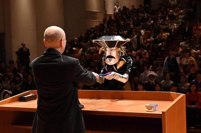 Sinh viên Nhật Bản đi nhận bằng tốt nghiệp: Không cosplay hài hước , đừng mong ra trường! - Ảnh 10.