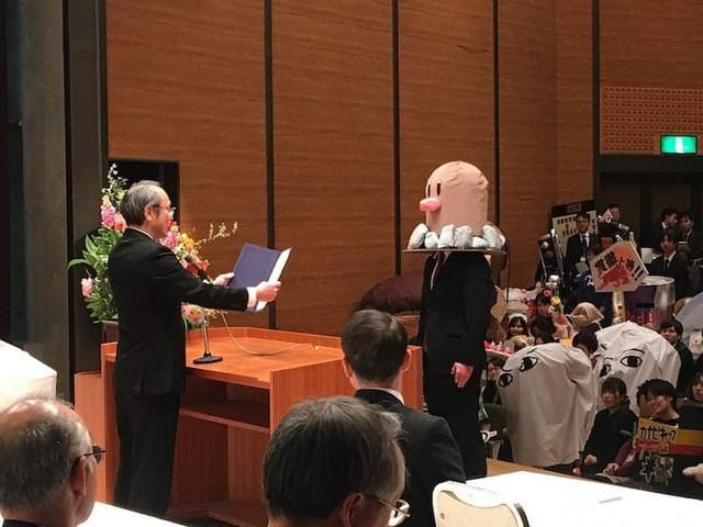 Sinh viên Nhật Bản đi nhận bằng tốt nghiệp: Không cosplay hài hước , đừng mong ra trường! - Ảnh 14.