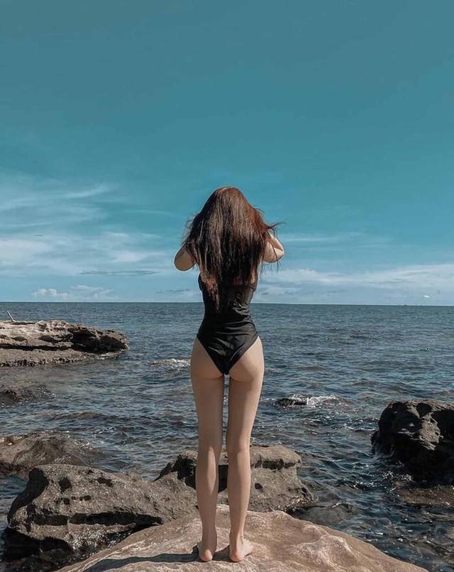 Linh Ka diện bikini bỏng mắt, lần đầu công bố số đo thật