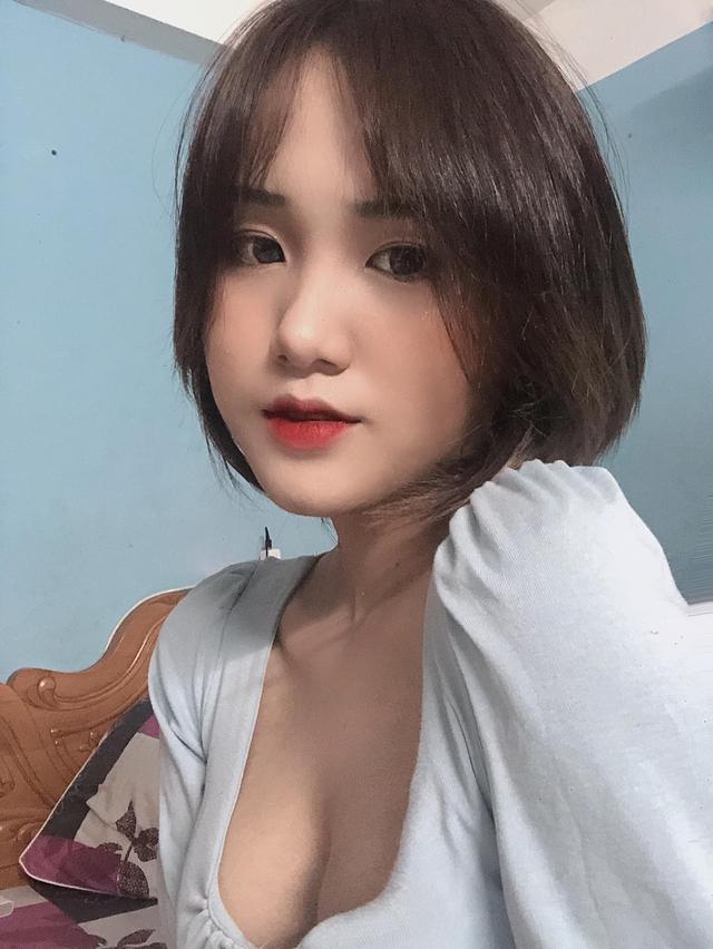 Chuộng mốt áo trễ nải, nữ sinh Đà Nẵng khoe khéo tâm hồn căng đầy nhựa sống, 500 anh em bối rối không biết nên nhìn vào đâu - Ảnh 10.