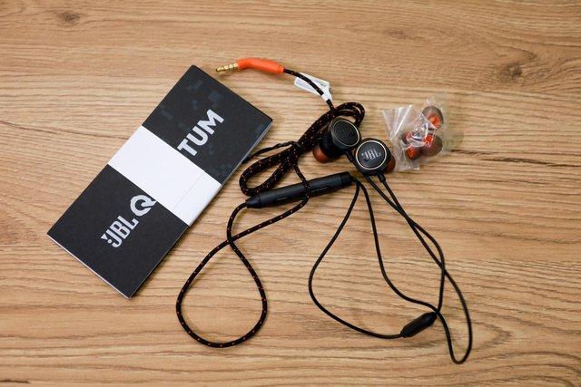 Trải nghiệm JBL Quantum 50 - Tai nghe gaming in-ear siêu ngầu đảm bảo ai nhìn cũng mê - Ảnh 4.