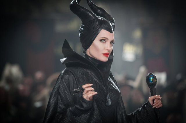 Chiêm ngưỡng thần thái 6 đại mỹ nhân hóa thân phù thủy trên màn ảnh rộng - Ảnh 6.