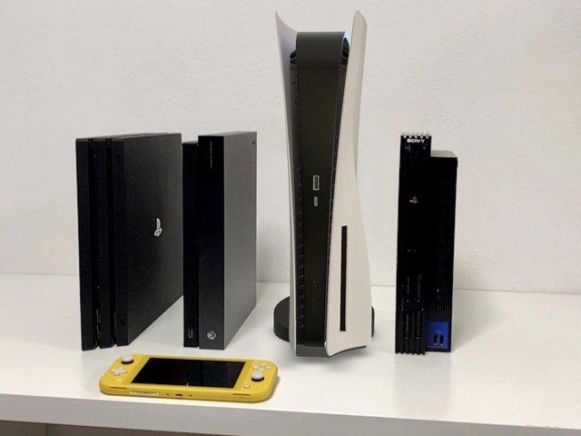 Hướng dẫn đưa PS5 phiên bản AR vào phòng khách - Ảnh 2.