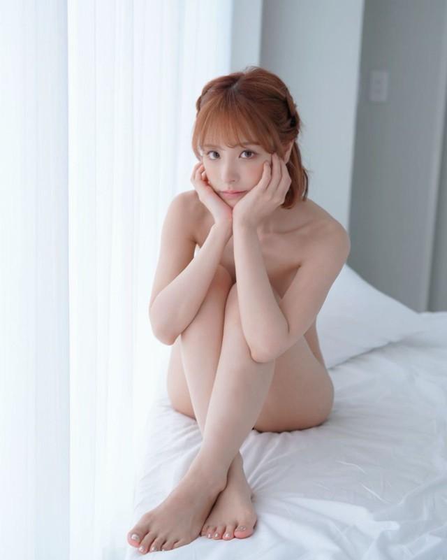 Những điều chưa biết về Kana Momonogi, mỹ nhân xinh đẹp của làng phim 18+ Nhật Bản - Ảnh 4.