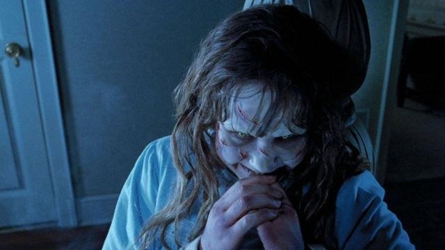 8 phim kinh dị là nỗi ám ảnh của các đoàn phim Hollywood: Rợn gáy nhất là chuỗi thảm kịch kinh hoàng đeo bám Đứa Con Của Satan - Ảnh 25.