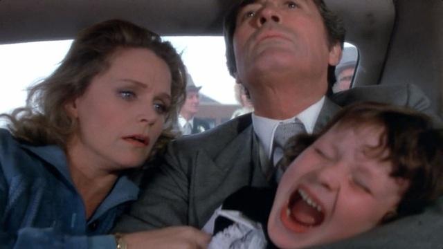 8 phim kinh dị là nỗi ám ảnh của các đoàn phim Hollywood: Rợn gáy nhất là chuỗi thảm kịch kinh hoàng đeo bám Đứa Con Của Satan - Ảnh 28.