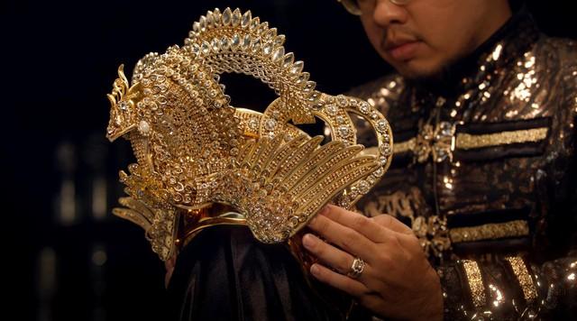 Chiêm ngưỡng vẻ đẹp của Quyền trượng và Vương miện dành cho Quán quân Miss & Mister VLTK 15 - Ảnh 5.