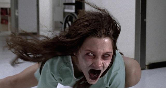 8 phim kinh dị là nỗi ám ảnh của các đoàn phim Hollywood: Rợn gáy nhất là chuỗi thảm kịch kinh hoàng đeo bám Đứa Con Của Satan - Ảnh 4.