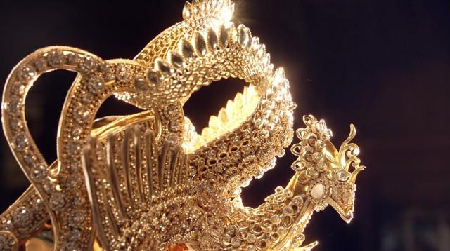 Chiêm ngưỡng vẻ đẹp của Quyền trượng và Vương miện dành cho Quán quân Miss & Mister VLTK 15 - Ảnh 6.