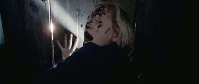 8 phim kinh dị là nỗi ám ảnh của các đoàn phim Hollywood: Rợn gáy nhất là chuỗi thảm kịch kinh hoàng đeo bám Đứa Con Của Satan - Ảnh 10.