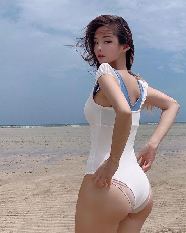 Khởi nghiệp thiếu tiền, cô gái xinh đẹp tự lấy bản thân ra làm mẫu, quảng cáo nội y ngay trên sóng livestream - Ảnh 5.
