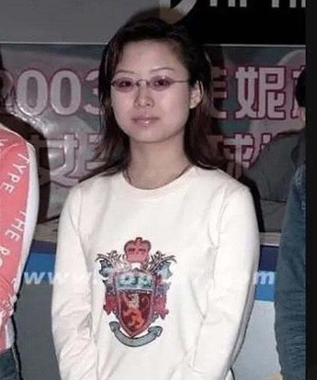 Lộ ảnh quá khứ kém sắc của nữ hoàng Billiards xứ Trung, dân tình băn khoăn lên hương theo thời gian hay động chạm dao kéo? - Ảnh 5.