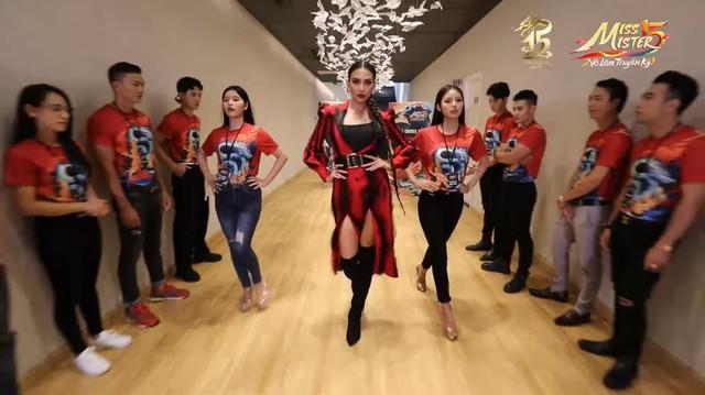 Huấn luyện viên Võ Hoàng Yến chia sẻ bí kíp giúp 21 thí sinh Miss & Mister VLTK 15 tự tin tỏa sáng - Ảnh 3.