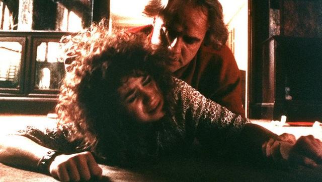 4 cảnh nóng Hollywood tổn hại tinh thần lẫn thể xác diễn viên: Ớn nhất là màn thực hành cùng thanh bơ - Ảnh 8.