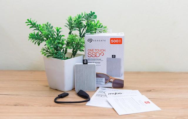Seagate One Touch SSD - Ổ cứng di động gọn trong lòng bàn tay nhưng có thể 'mang cả thế giới' - Ảnh 1.