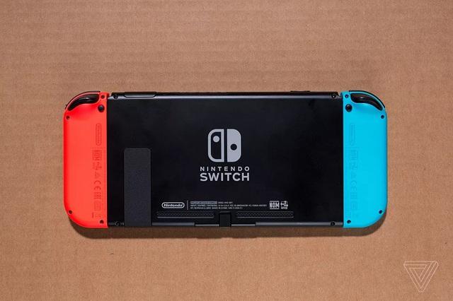 Hack Nintendo Switch, 2 game thủ bị bắt, đối mặt bản án 20 năm tù - Ảnh 1.