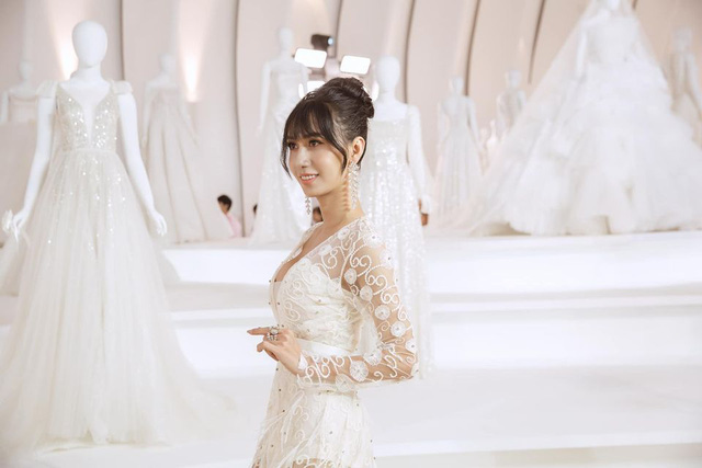 Lynk Lee diện váy cô dâu duyên dáng, khoe vòng một siêu gợi cảm khiến fan hâm mộ đổ rần rần khen xinh nức nở - Ảnh 5.