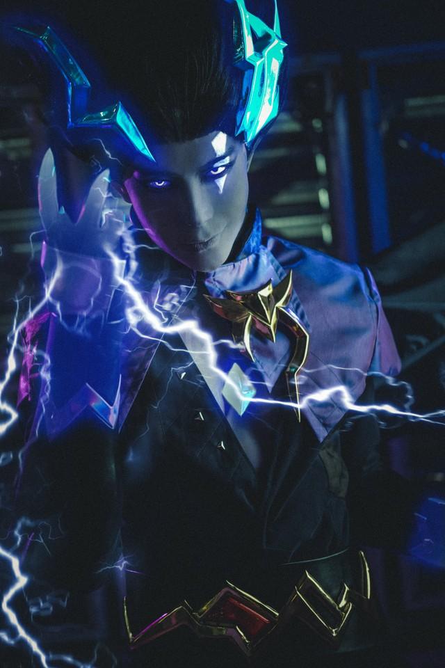 Chiêm ngưỡng bộ ảnh cosplay cực ma mị về Lorion Hắc Lôi - tướng Liên Quân FREE dịp Sinh nhật - Ảnh 1.