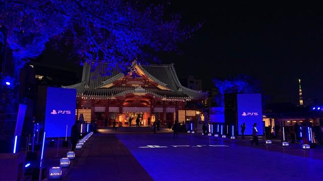 Choáng ngợp với sự kiện ra mắt PS5 tại Nhật, không hổ danh là thành địa làng game - Ảnh 2.