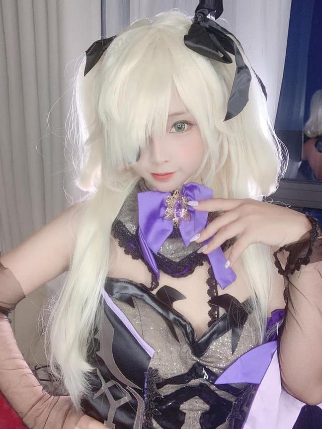 Đốt mắt với cosplay Genshin Impact siêu nóng bỏng Photo-1-1605176254435171088649