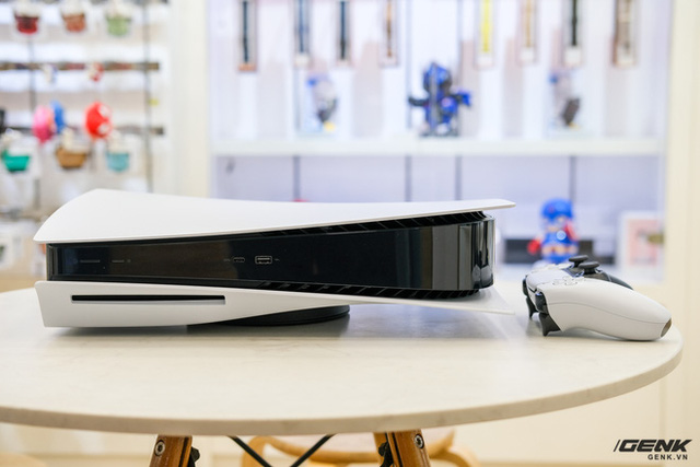 Cận cảnh PlayStation 5 đầu tiên vừa về Việt Nam, giá 34.5 triệu đồng - Ảnh 2.