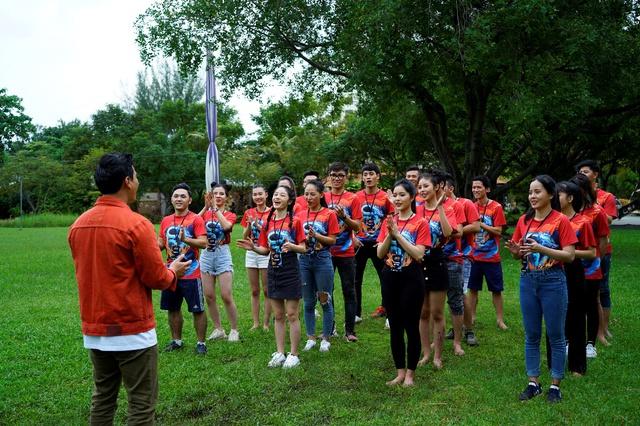 Nhìn lại hành trình của 21 thí sinh Miss & Mister VLTK 15, từ những người xa lạ tới tình nghĩa keo sơn - Ảnh 2.