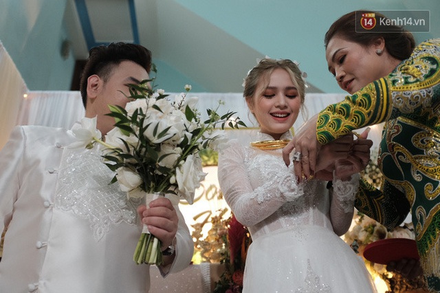 Xemesis lag nhẹ trong ngày cưới: Đi rước dâu nhưng... quên cô dâu, mẹ nhắc mới lộn lại tìm - Ảnh 6.