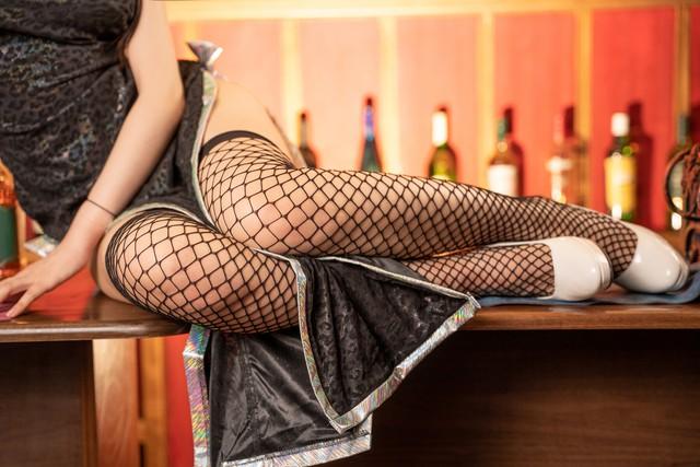 Cosplay Tifa ngực còn... to hơn bản gốc, dù diện sườn xám hay váy xanh cắt xẻ đều cực quyến rũ - Ảnh 8.