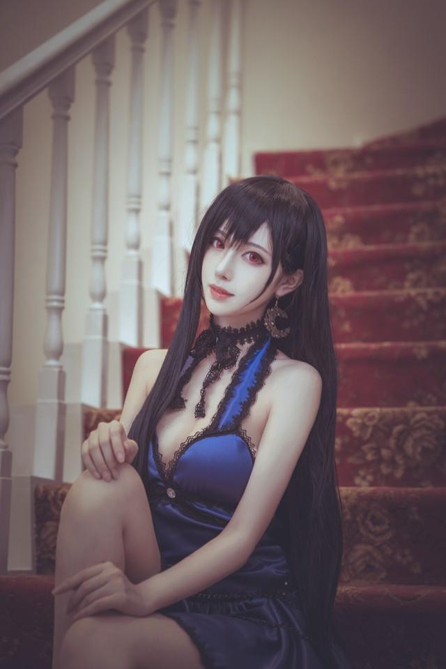 Cosplay Tifa ngực còn... to hơn bản gốc, dù diện sườn xám hay váy xanh cắt xẻ đều cực quyến rũ - Ảnh 10.