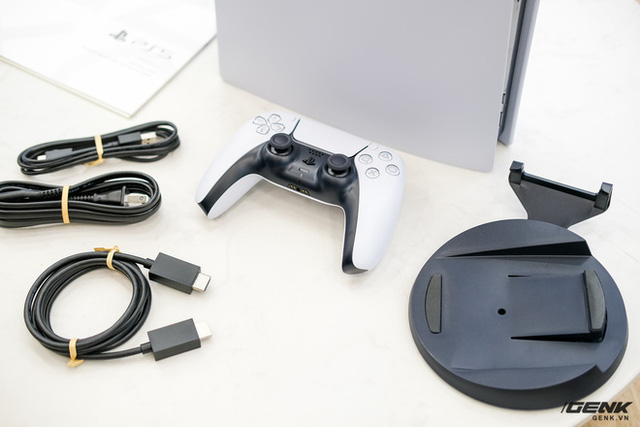Cận cảnh PlayStation 5 đầu tiên vừa về Việt Nam, giá 34.5 triệu đồng - Ảnh 3.