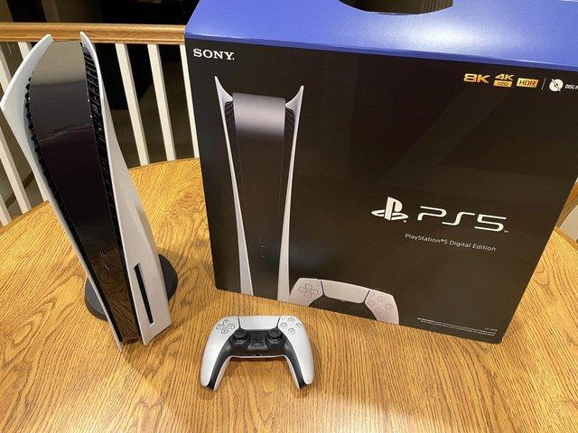 Không mua được PS5, nhiều thanh niên manh động đã rủ nhau đi... cướp - Ảnh 2.