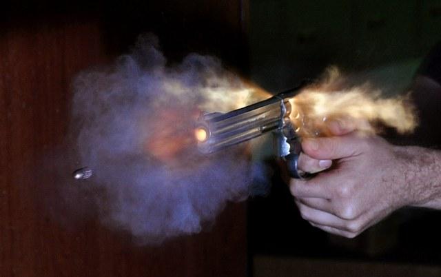 Những lỗi súng đạn ngớ ngẩn trong Call of Duty: Black Ops Cold War - Ảnh 7.