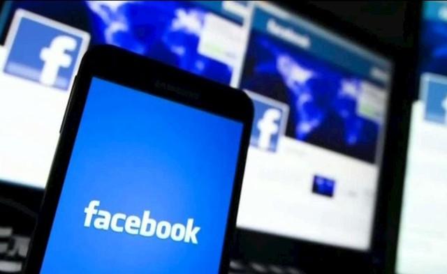 200 Facebook employees simultaneously criticized Mark Zuckerberg for