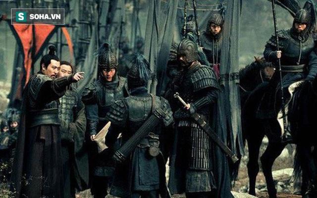 Vô cùng tin tưởng Gia Cát Lượng, tại sao khi đánh Đông Ngô báo thù cho Quan Vũ, Lưu Bị lại không dẫn theo Khổng Minh? - Ảnh 1.