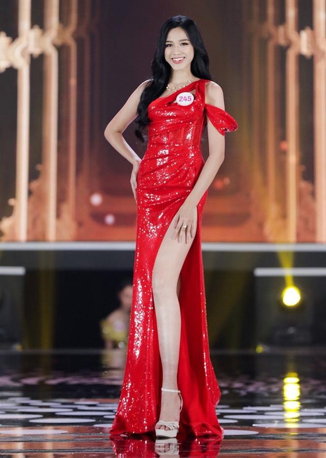 So ảnh sống ảo và khi đi thi của Top 3 Hoa hậu: Còn gì gây tranh cãi ngoài vòng eo của Đỗ Thị Hà? - Ảnh 4.