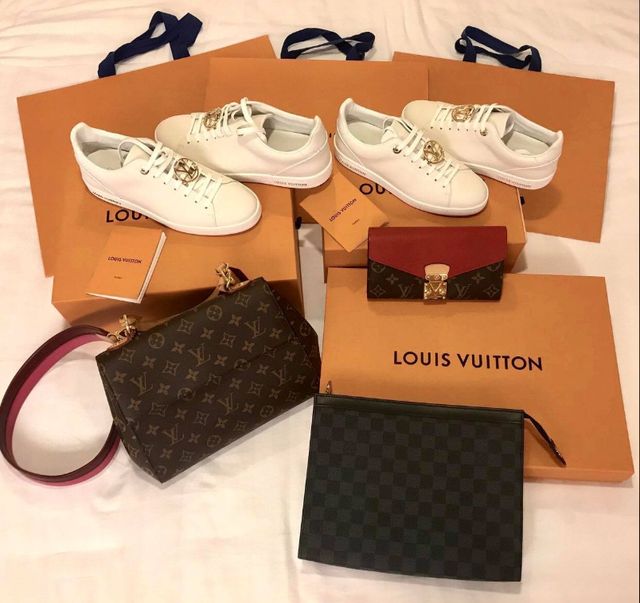 Nữ sinh dùng cả xấp thẻ ATM thay thước kẻ: Dân mạng choáng với bộ sưu tập Gucci, Louis Vuitton - Ảnh 9.