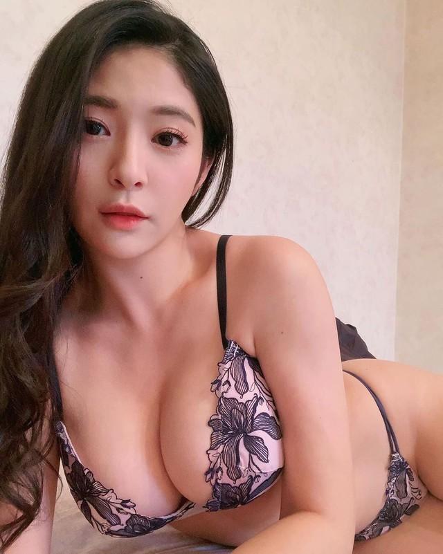 hot girl AV siêu vòng một khiến fan bất ngờ tột độ Photo-1-16067117744811103396473