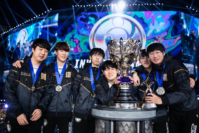 Rookie cùng đồng đội từng lên ngôi vô địch CKTG 2018