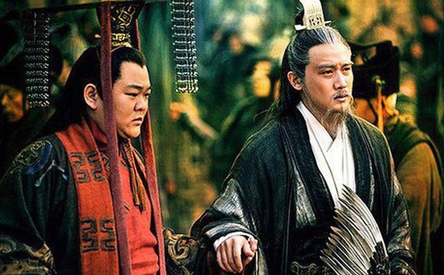 Nổi tiếng khôn ngoan mưu lược lại có nhiều con trai, hà cớ gì Lưu Bị lại truyền ngôi cho người bị cho là vô dụng như Lưu Thiện? - Ảnh 1.